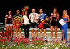 Cesena. Serata speciale con cavalli e ciclisti all'Ippodromo per il premio campionato italiano bike su pista.
