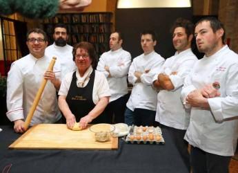 Modena. L'evento 'Tortellino sotto i portici' si trasferisce ai Giardini Ducali. I migliori chef proporranno un'interpretazione del tradizione piatto modenese.