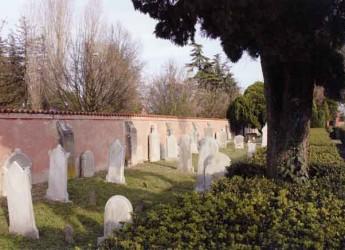 Lugo. Visite guidate al cimitero ebraico in occasione della Giornata europea delle cultura ebraica.