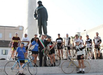 Lugo. Successo per la cicloturistica 'Storie antiche di uomini e biciclette', in 178 in sella a bici storiche provenienti da tutta Italia.