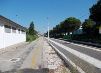 Bellaria Igea Marina. Ubriaco conduceva il passeggino lungo i binari: il 'lieto fine' grazie all'intervento degli agenti e dei Servizi Sociali.