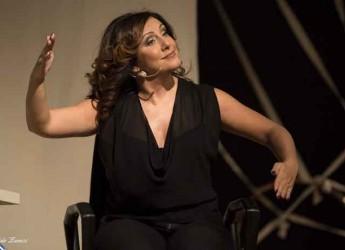 Forlì. Il tour di Antonella Ferrari fa tappa in città con lo spettacolo 'Più forte del destino' al Teatro Testori.