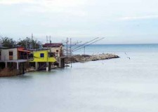 Rimini. Deviatore Marecchia: il Comune acquisisce per progetti d'interesse pubblico i rimaneti capanni da pesca.