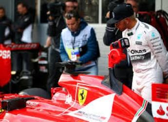 Non solo calcio. Nuova inchiesta. Ma anche nuove (vere) pagine di sport. Lewis e il sogno segreto della 'rossa'?