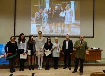 Lugo. Il Rotary Club di Lugo ha incontrato gli studenti diplomati con il massimo dei voti nello scorso anno scolastico.