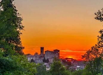 Longiano. Una grande giornata 'arancione' per il suggestivo borgo della Valle del Rubicone.