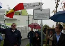 Ravenna. Il volo degli aquiloni ha accompagnato la cerimonia d'inaugurazione del giardino dedicato a Medio Calderoni.