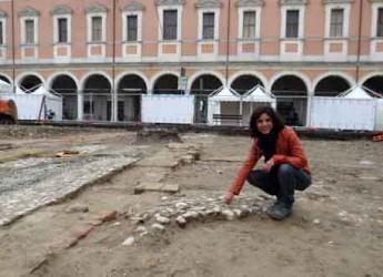 Cesena. La visita agli scavi archeologici in piazza della Libertà ha riscosso un gradito successo.