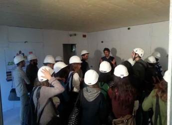 Cesena. Studenti dell'Università di Bologna in visita alla Fiorita Passive House, primo caso italiano di eco-condiminio.