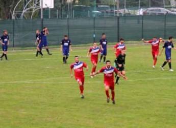 Gabicce Mare. Due gol per parte nell'adrenalinico derby con il Pisaurum. Rossoblu ancora in vetta alla classifica.