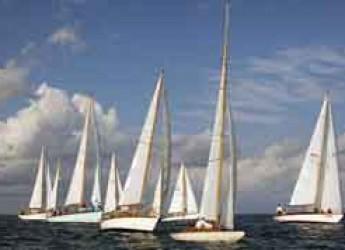 Viareggio. Le vele d'epoca tornano in città per l'ultima regata della stagione 2015. Una flotta di 50 vele storiche parteciperanno al raduno.
