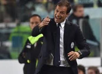 Non solo sport. La Signora vola agli ottavi, prima. La Roma ama invece collezionare gol nella rete sua.