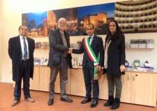 Cesena. L'ambasciatore colombiano in Italia in visita per conoscere il distretto dell'ortofrutta della Romagna.
