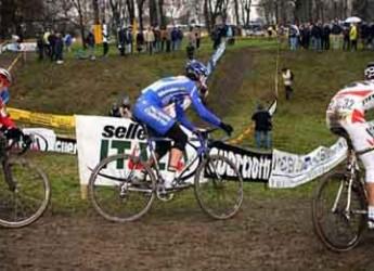 Castrocaro Terme. Ciclocross. In 88 alla partenza del 4° Memorial Giancarlo Ricci-2° Memorial Valter Ricci.