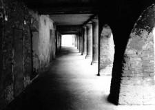Cesena. L'anima silenziosa di Cesena negli scatti in bianco e nero di Vittorio Benini che presenterà il suo libro.