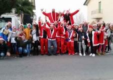 Savignano sul Rubicone. Raccolta benefica. Fiumicino e Sant'Angelo invase dagli aiutanti di Babbo Natale.