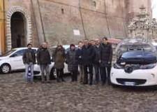 Cesena. Ambiente. Consegnate al comune le prime auto elettriche. In arrivo altri quattro mezzi per la Polizia Municipale.