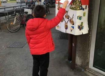 Forlì. Per le festività Poste Italiane ha allestito una speciale cassetta postale dedicata a Babbo Natale.
