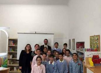 Valconca. Il Lions Club Valle del Conca dona 72 libri per bimbi dislessici alla biblioteca comunale di Morciano.