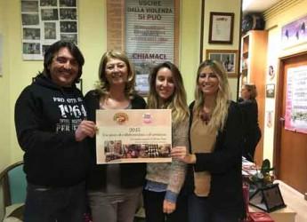 Ravenna. I panificatori cittadini consegnano un assegno di 500 euro per sostenere i progetti di Linea Rosa.
