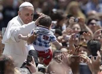 Rimini. È destinato a Papa Francesco il quinto pacco-dono partito dalla galleria No Limits To Fly di Rimini