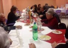 Riccione. Festa di Natale per gli ospiti di Residenza Pullè con lo Scaramaz Cafè.