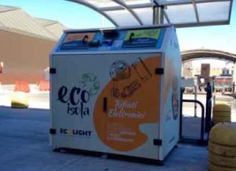 Italia. Toscana. Rifiuti elettronici: in regione si portano in negozio. Presentate le prime EcoIsole.