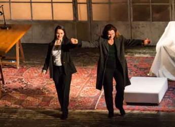 Bellaria Igea Marina. Monica Guerritore e Alice Spisa incantano il gremito Teatro Astra. Sold out alla prima della stagione.