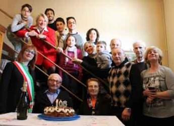 Conselice. Festa in città per i 105 anni di Luigi Ragazzini detto 'Gino ad Casantèin'.