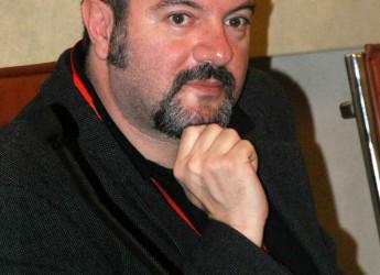 Lugo. Carlo Lucarelli ha chiuso la rassegna 'Febbraio letterario'.