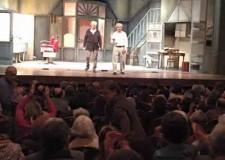 Lugo. Teatro Rossini gremito per 'Quei due', con Massimo Dapporto e Tullio Solenghi.