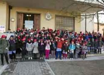 Lugo. Bambini a scuola a piedi in occasione di 'M'illumino di meno'. Al via il progetto 'piedibus'.