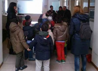 Savignano sul Rubicone. I bambini della scuola di Fiumicino in 'gita di democrazia' alla Residenza comunale