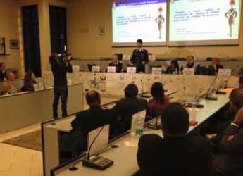 Riccione. Grande partecipazione all'incontro con l'Arma dei carabinieri sulla sicurezza negli Istituti di Credito.