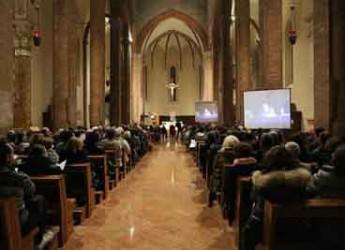 Cesena. Cattedrale gremita per il ricordo di don Ezio Casadei. In 350 al concerto della Cappella Marciana.