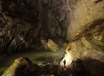 Casola Valsenio. Alla scoperta delle meraviglie ipogee del mondo con 'Sapalewa underground river'.