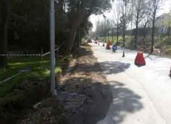 Rimini. Iniziati i lavori per la sistemazione e la realizzazione dei marciapiedi di via Mazzini a Viserba.