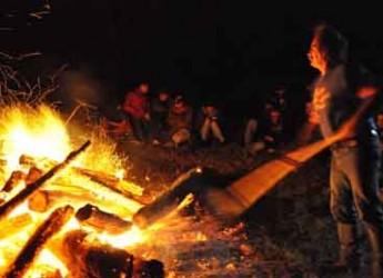 Valconca. Si rinnova la tradizione della fogheraccia in Valconca. Appuntamento a Mondaino con camminate e cena.