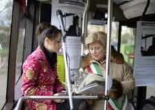 Ravenna. Rosa Parks ha il suo giardino. In tanti all'inaugurazione dell'area verde adiacente piazza San Bartolo.