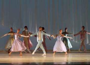 Lugo. Al Teatro Rossini la 'Cenerentola' di Rossini chiude la stagione di danza.