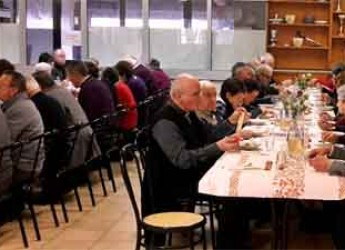 Massa Lombarda. Successo di partecipanti al 'pranzo del pensionato' al Centro di Quartiere di Fruges.