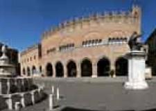 Rimini. Giornate Fai dedicata a 'Piazza Cavour: la piazza dei palazzi'.