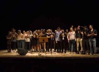 Lugo. Grande affluenza di pubblico sabato 16 aprile al teatro Rossini di Lugo per la serata di beneficenza dal titolo 'Day by day'.