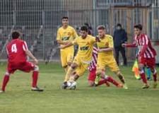 Forlì. Calcio. Al Morgagni il Forlì si aggiudica il derby con il Ravenna battuto per 2 – 0.