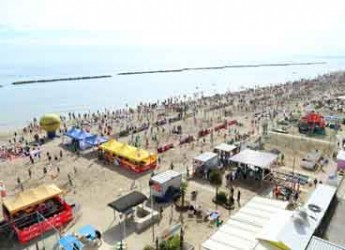 Bellaria Igea Marina. Week end di sport con il Kiklos Young Volley. Sono stati 8.500 i partecipanti che si sono sfidati in spiaggia.