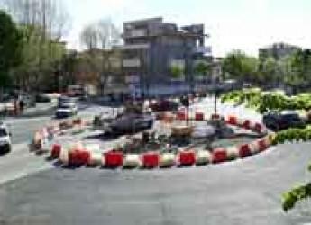 Rimini. Disattivato il semaforo entra in funzione la rotatoria dell'incrocio Tripoli – Roma.