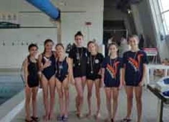 Lugo. Nuoto sincronizzato. Le giovani atlete dell'Around Sincro Cesenatico hanno partecipato alle qualificazioni ai campionati italiani.
