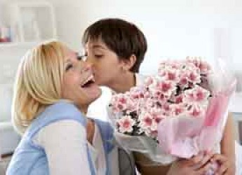 Forlì. Per la festa della mamma regala un fiore, regala una speranza. Nuova iniziativa dello IOR.
