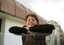 Lugo. Per AperiTrisi Letterari Muriel Pavoni presenta 'Veduta di pianura con dame'.