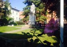 Faenza. Riaperto il giardino di Piazza San Francesco dopo l'intervento di manutenzione del prato.
